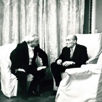 Празднование юбилея П.А. Серебрякова в Ленинградской филармонии 1 марта 1969. В фойе с Е.А. Мравинским. Фотограф — Н. А. Науменков.